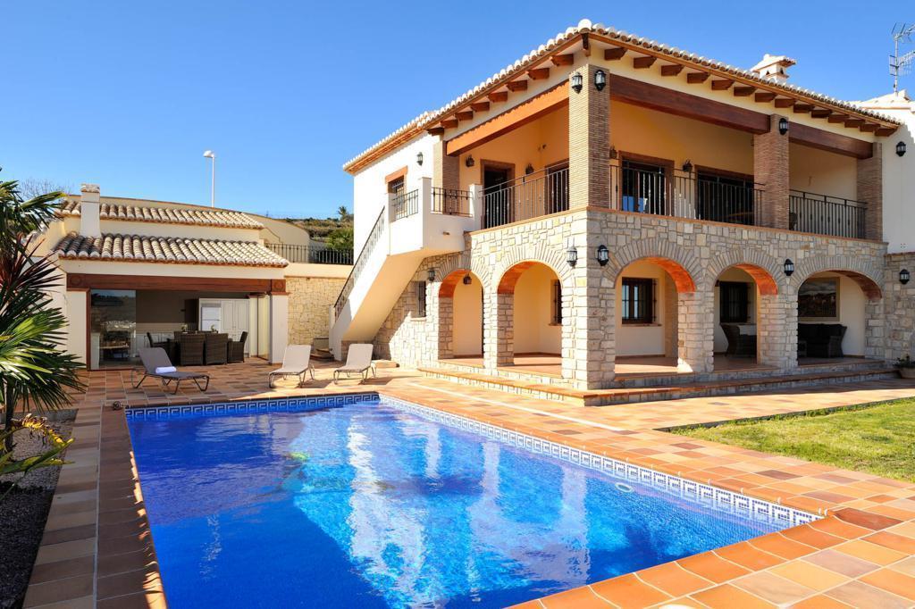 villa en benitachell · urb-los-molinos 1250000€