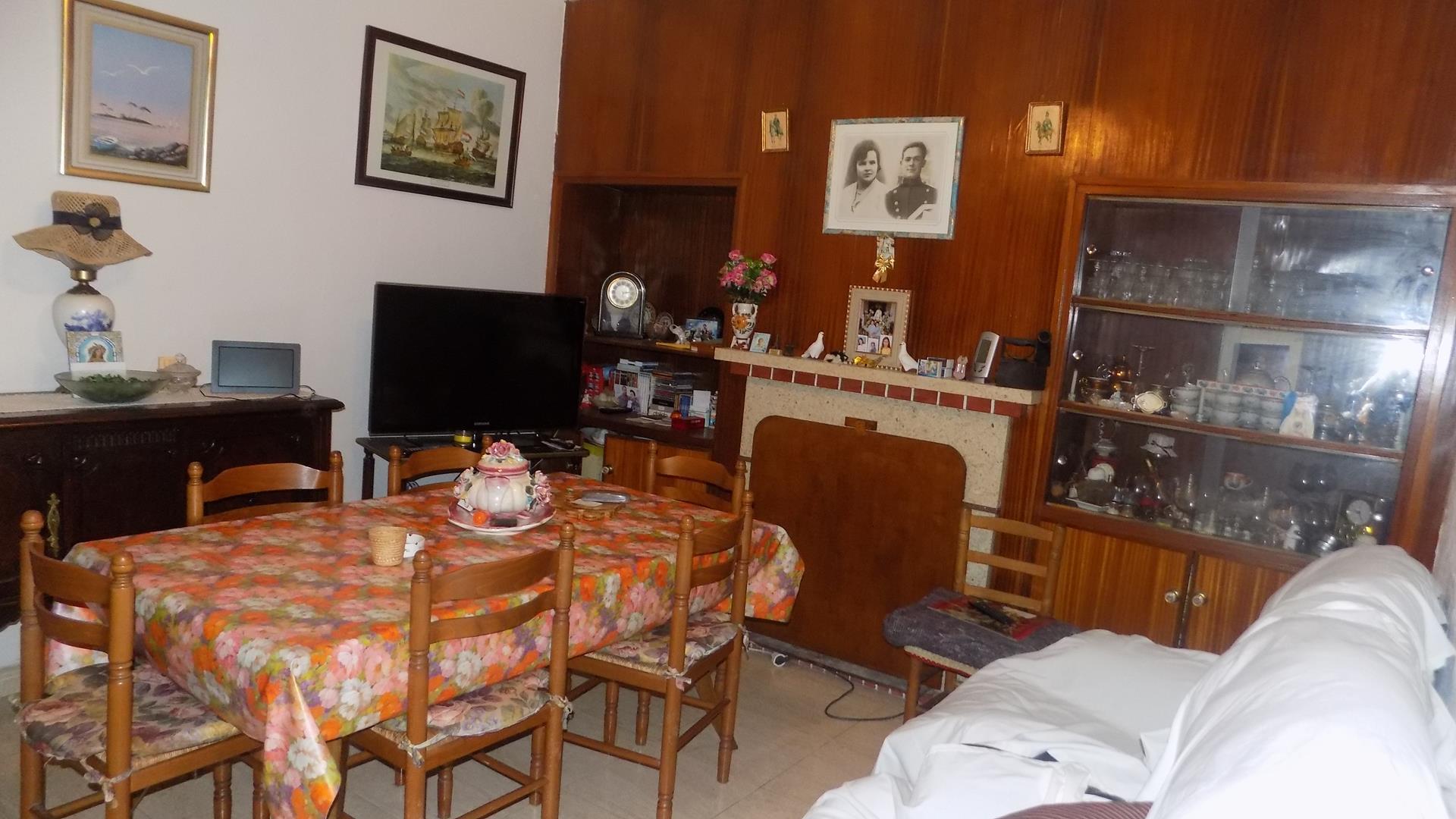casa-de-pueblo en la-llosa-de-camacho · casco-urbano 183000€