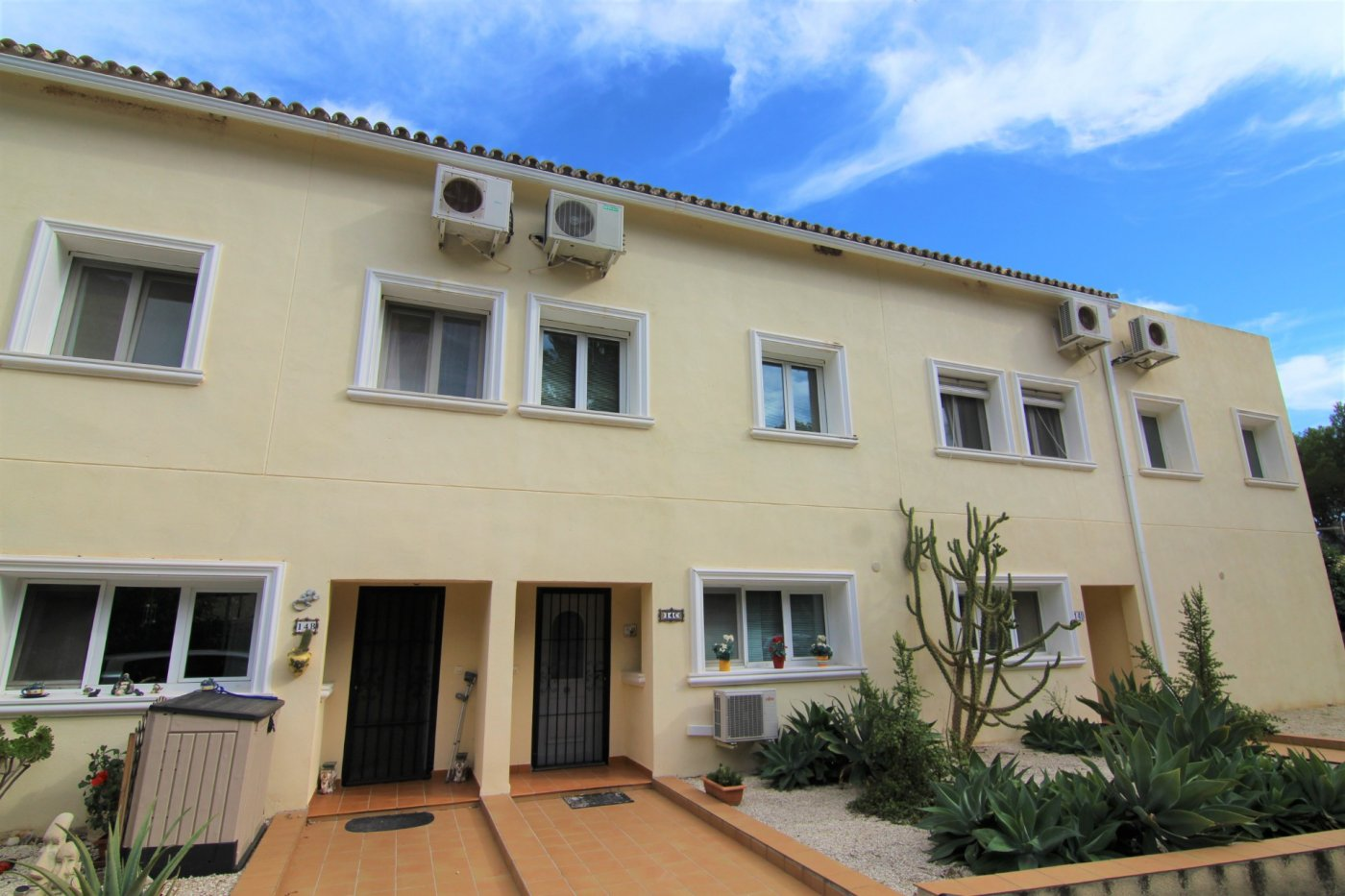 semidetached-house en alcalali · valley--urbanization 600€