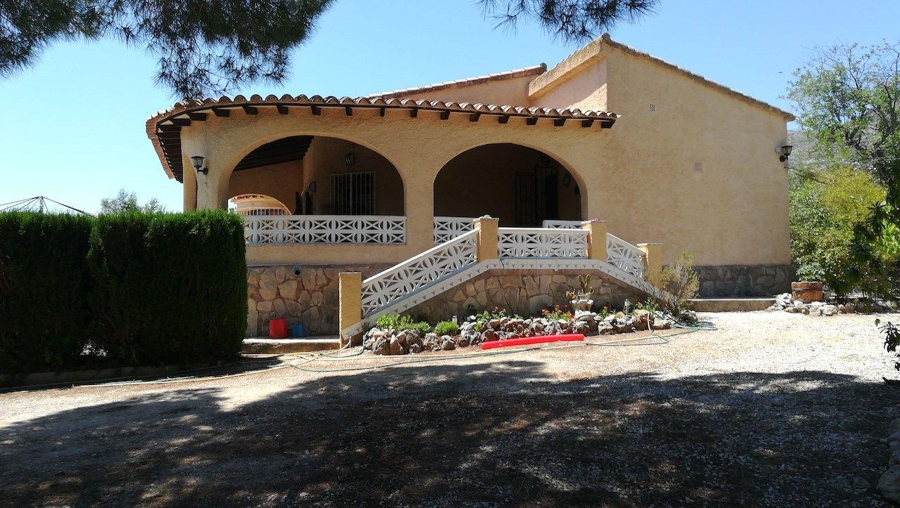 villa en xalojalon · la-solana 320000€