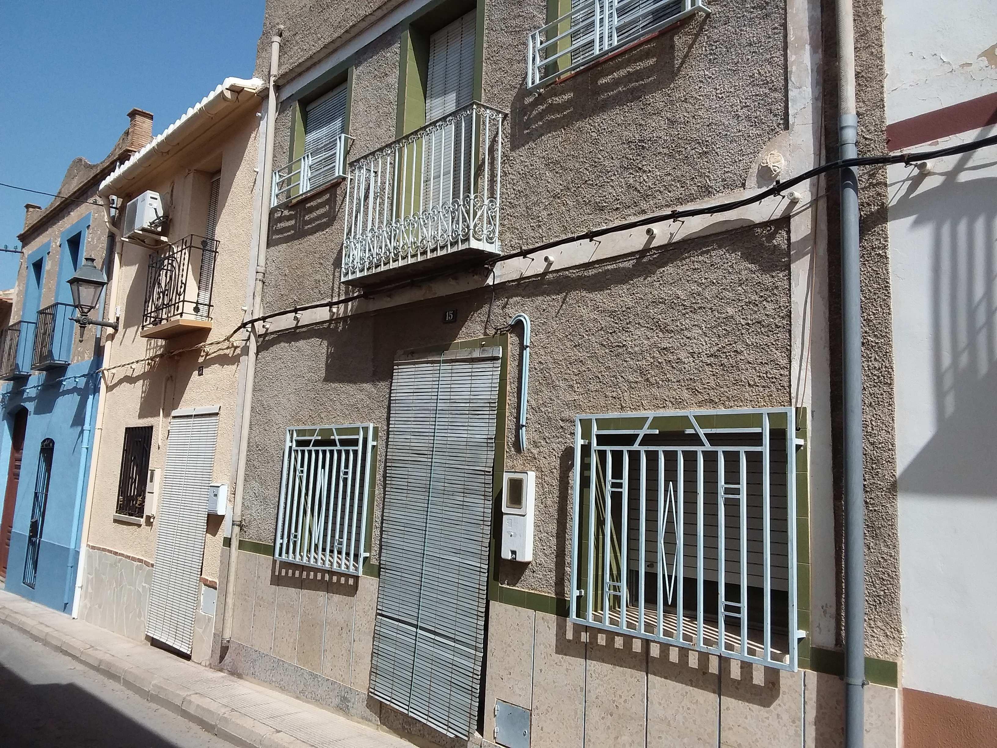maison-de-village en benimeli · centre-ville 99900€