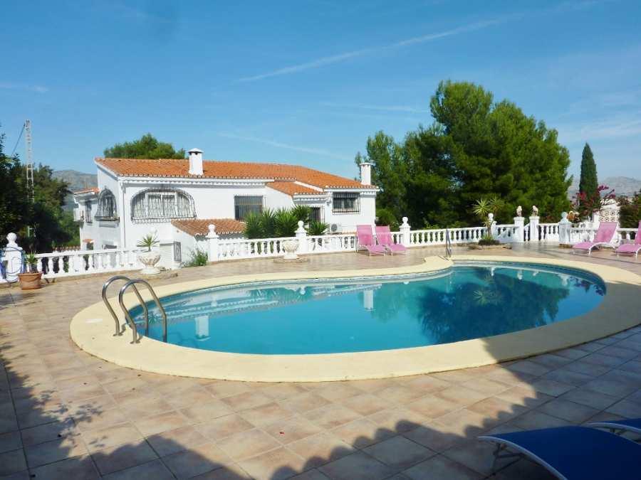 villa en orba ·  349950€