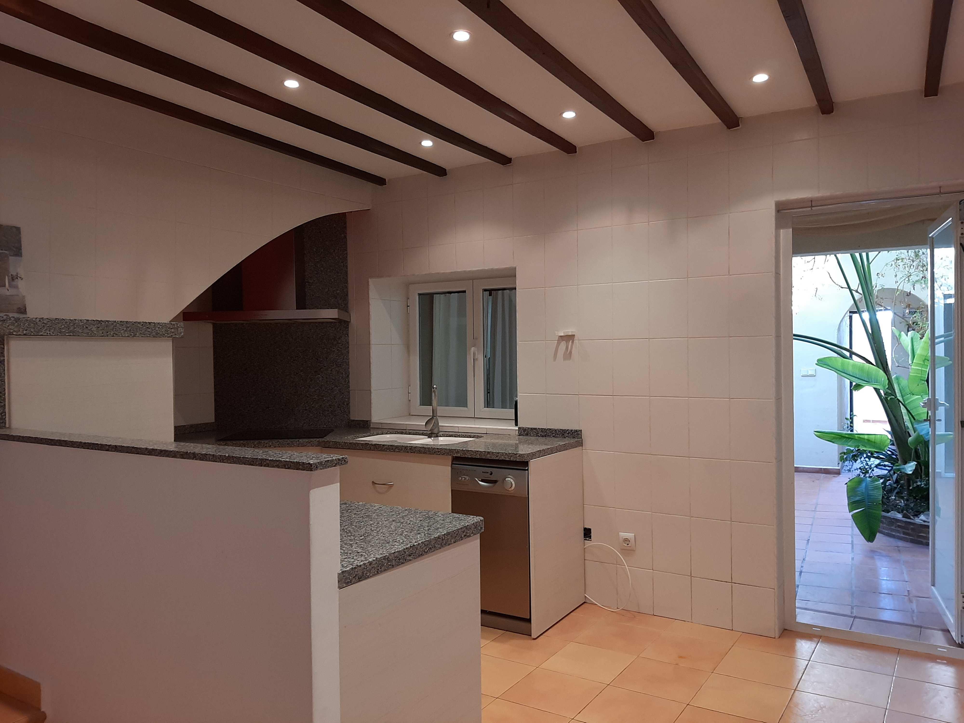 village-house en orba ·  245000€