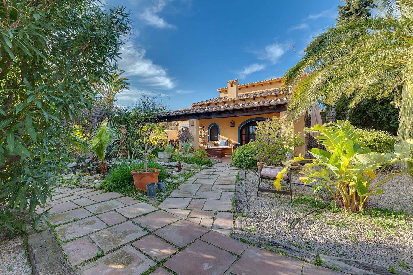 rural-property en teulada ·  1600000€