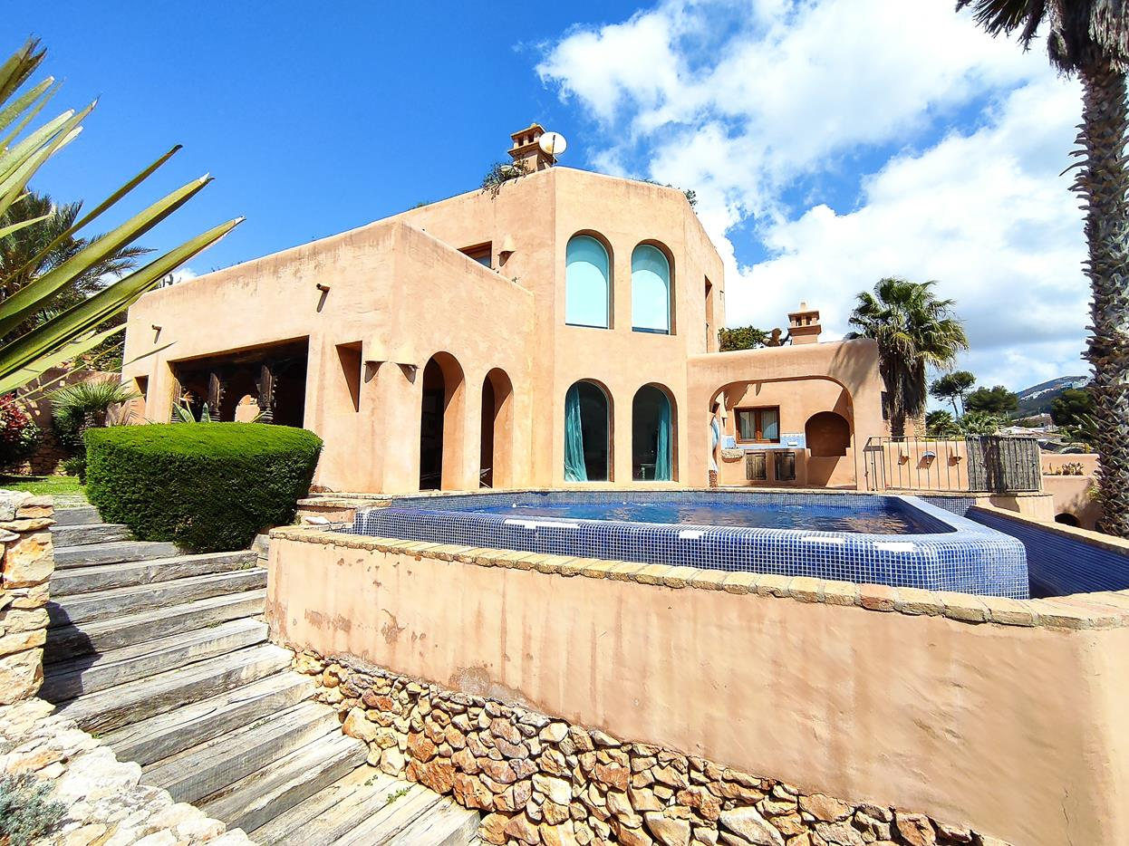 villa en moraira · el-portet 950000€