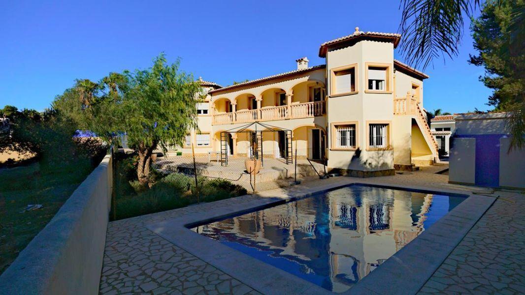 villa en moraira · sol-park 525000€