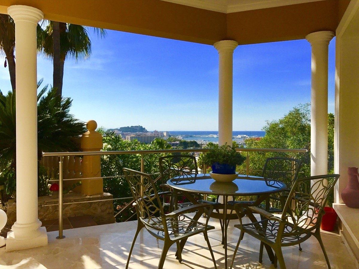 villa en denia ·  599000€