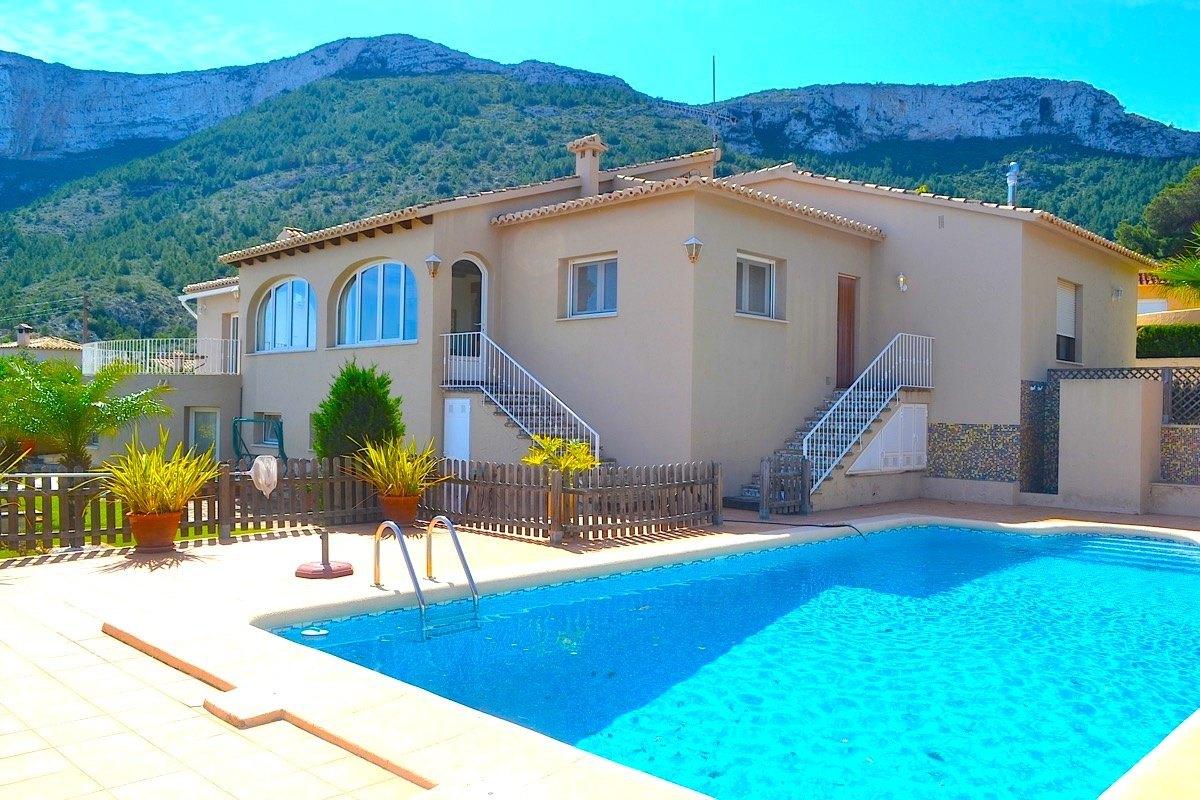 villa en denia ·  499000€