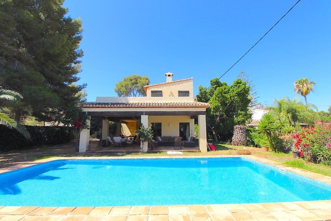 villa en denia · las-rotas 875000€