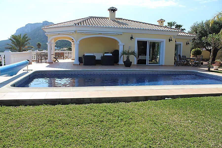 villa en denia ·  730000€