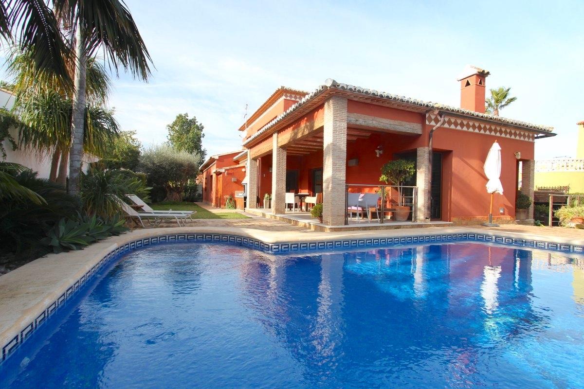 villa en denia ·  595000€