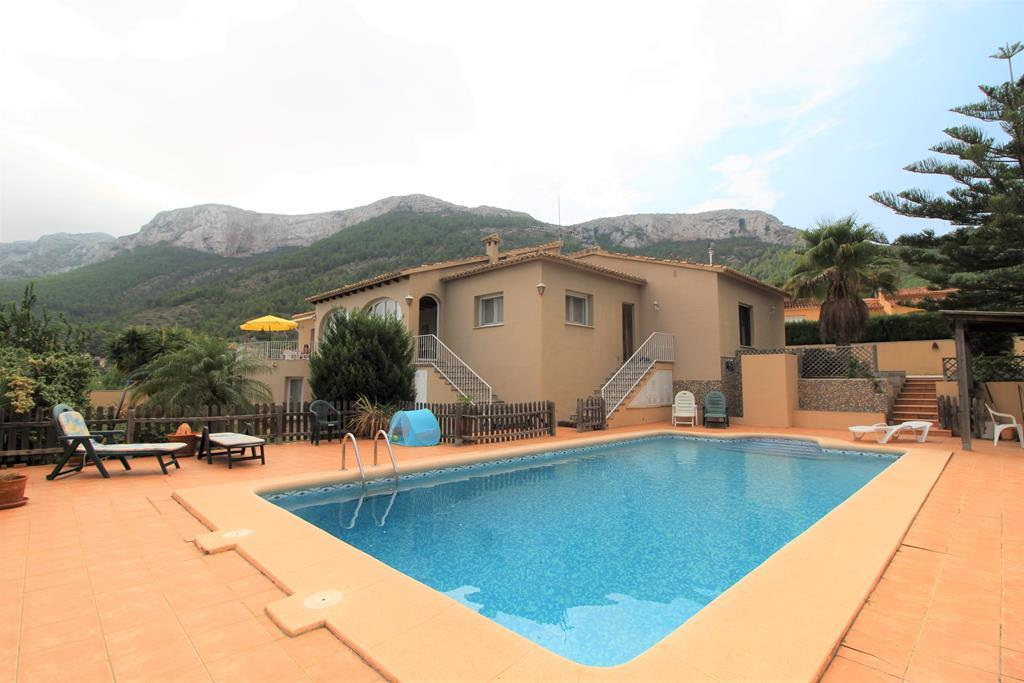 villa en denia ·  470000€