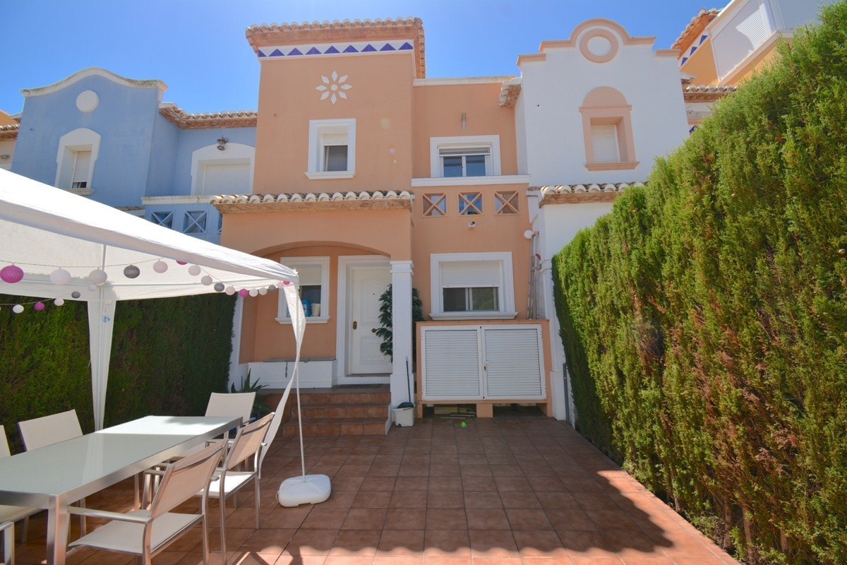 terraced-house en denia · la-pedrera 199000€